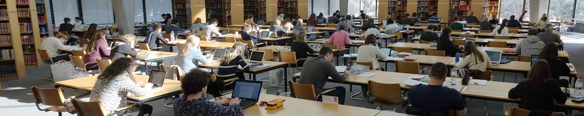 Lesesaaal UB Hauptbibliothek.